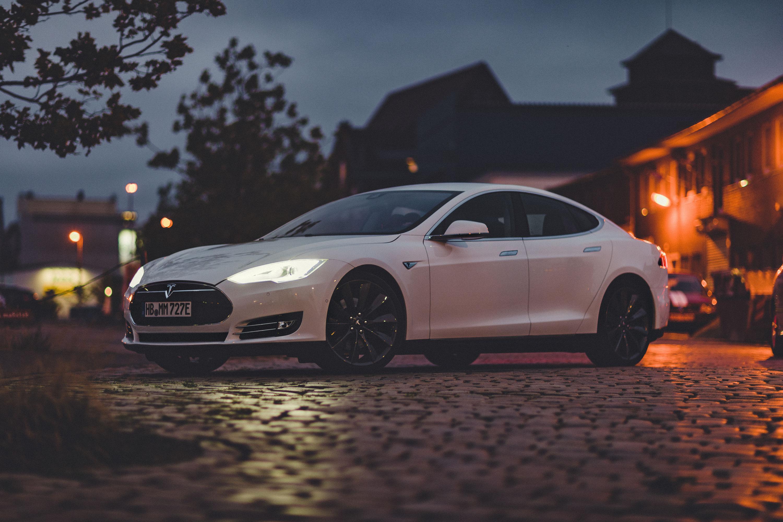Tesla Fahren Verschenken